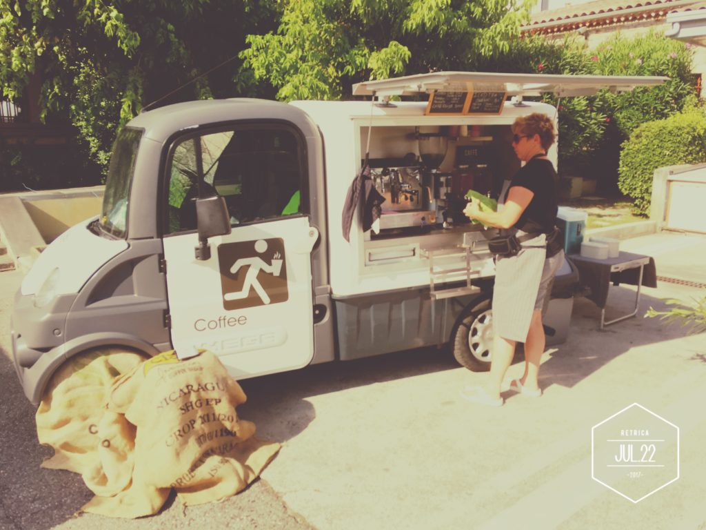 Le P'tit truck café, un coffee shop qui viens chez vous en Provence.